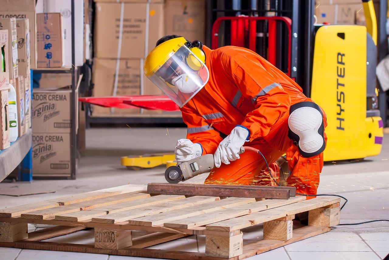 Jak zapewnić bezpieczeństwo w pracy?
