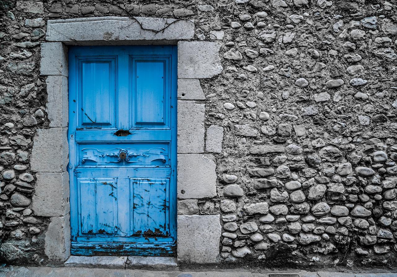 Jak odnowić stare drzwi?